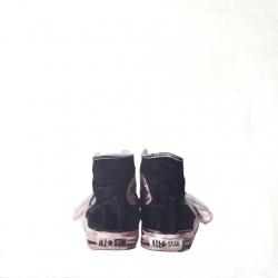 EM Vincent - Black Cons