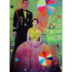 Helene Lacelle - Queen with Beachballs 3