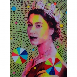 Helene Lacelle - Queen with Beachballs 2