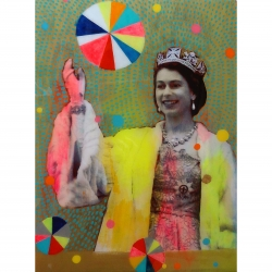 Helene Lacelle - Queen with Beachballs 10
