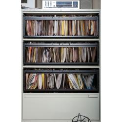 Tek Yang - Bookshelves Series-HEB III
