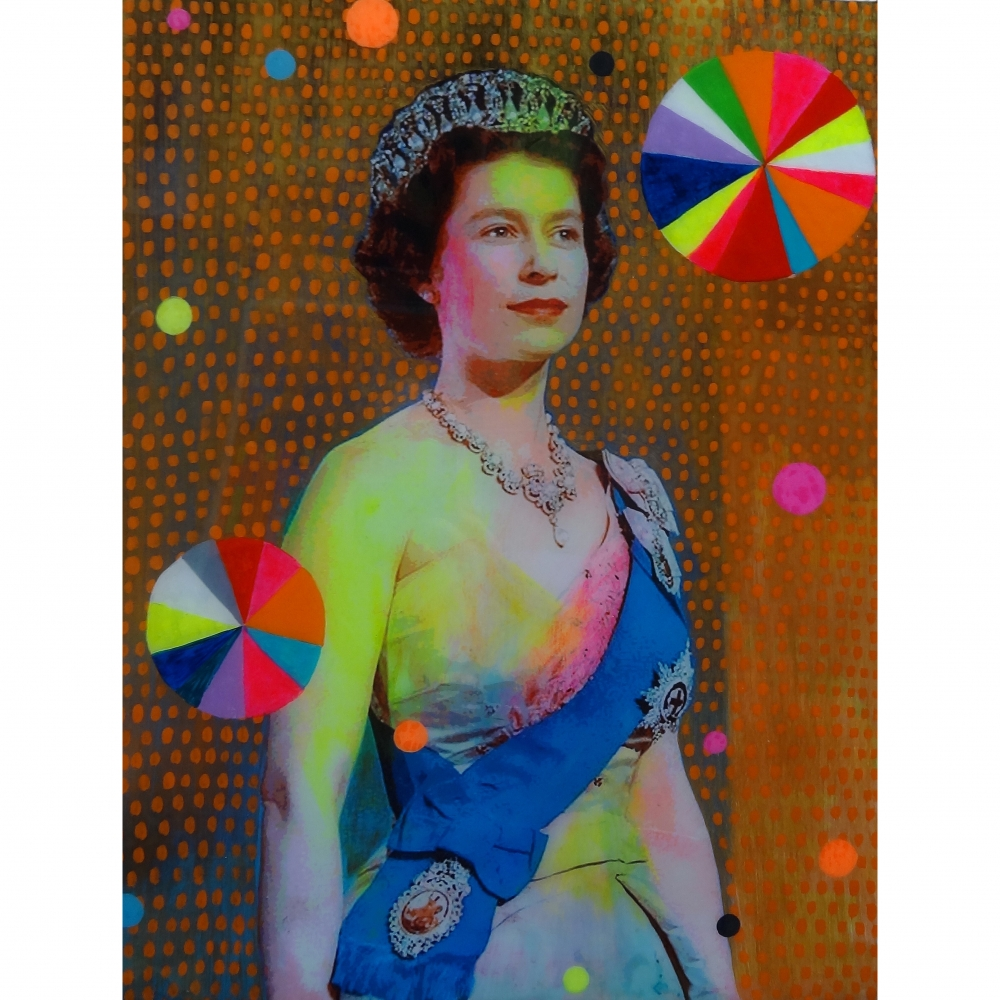 Queen with Beachballs 8 by Helene Lacelle